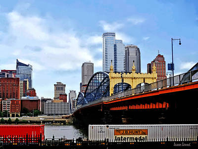 Pittsburgh Pa - Train By Smithfield St Bridge Poster by Susan Savad