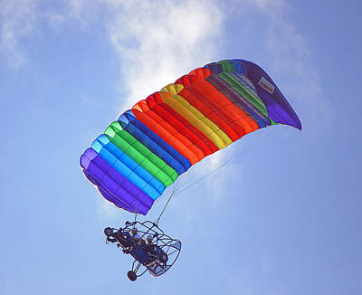 Powered Parasailing 1 Poster by Kenneth Albin