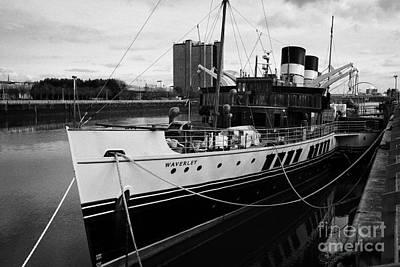 Ps Waverley Paddle Steamer Glasgow Scotland Uk Poster by Joe Fox
