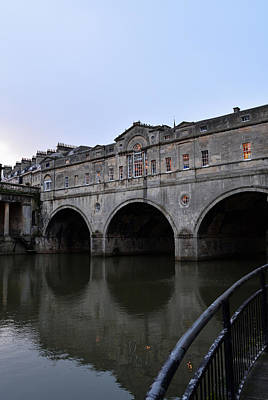 Pulteney Bridge At Dusk Poster by Richard Andrews