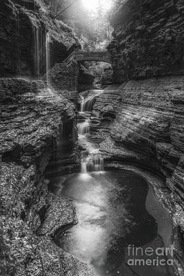Rainbow Falls Black And White Poster