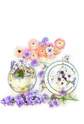 Ranunculus And Daisies With Vintage Tea Cups Poster by Susan Gary
