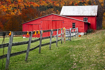 Red Barn In Autumn - Poster by Susan Candelario