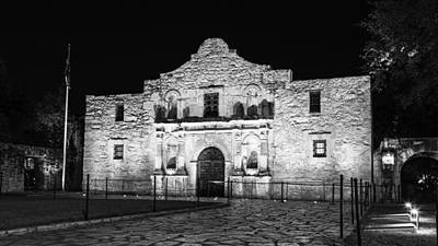 Remembering The Alamo - Black And White Poster