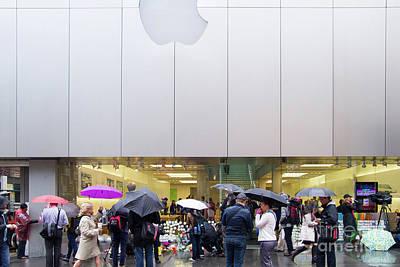 Rip Steve Jobs . October 5 2011 . San Francisco Apple Store Memorial 7dimg8561 Poster