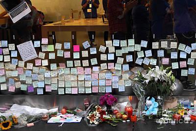 Rip Steve Jobs . October 5 2011 . San Francisco Apple Store Memorial 7dimg8561-1 Poster
