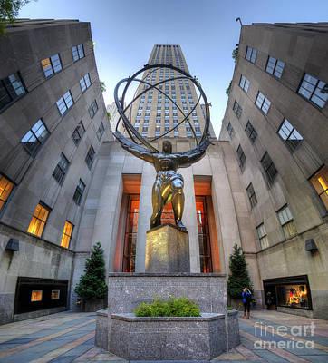 Rockefeller Centre Atlas - Nyc - Vertorama Poster by Yhun Suarez