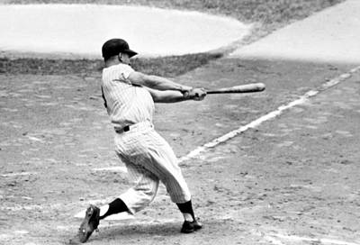 Roger Maris Ny Yankees Hits 61st Home Poster by Everett