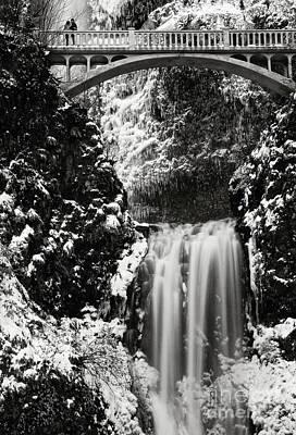 Romantic Moments At The Falls Poster