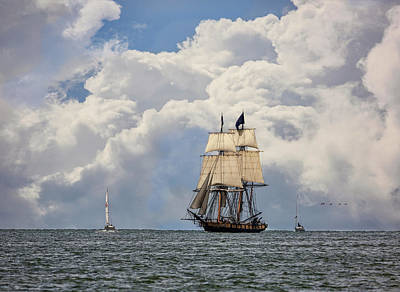 Poster featuring the photograph Sailing To Port by Dale Kincaid