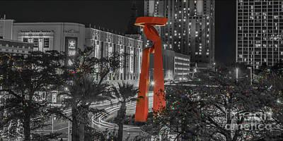San Antonio La Antorcha De La Amistad Sculpture In Selective Color Poster