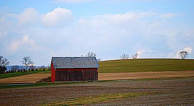 Small Pennsylvania Barn Poster by Patricia Motley