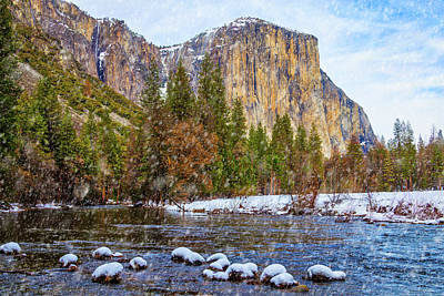 Snow Fall Yosemite Valley Poster by Garry Gay