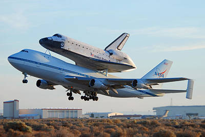 Space Shuttle Atalantis Departs Edwards Afb July 1 2007 Poster