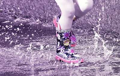 Splish Splash  Poster by Susan Bordelon