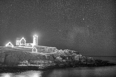 Starry Sky Of The Nubble Light In York Me Cape Neddick Black And White Poster by Toby McGuire