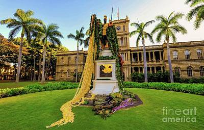 Poster featuring the photograph Statue Of, King Kamehameha The Great by D Davila
