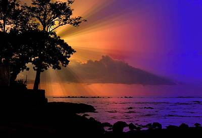 Poster featuring the photograph Sun Rays Sunset by Lori Seaman