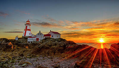 Sunrise At Head Harbor Lighthouse Poster by Lee Kappel