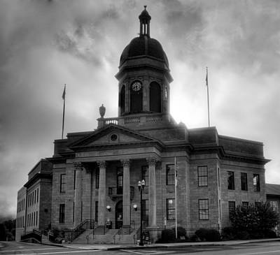 Sunrise On Cherokee County Courthouse In Black And White Poster