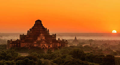 Poster featuring the photograph Sunrise View Of Dhammayangyi Temple by Pradeep Raja Prints