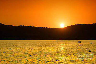 Poster featuring the photograph Sunset At Pichola Lake by Yew Kwang