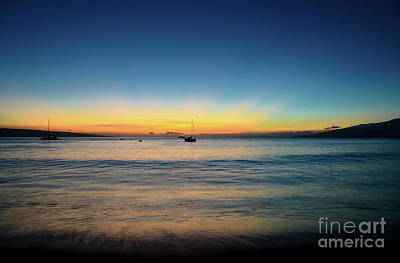 Poster featuring the photograph Sunset On Ka'anapali Beach by Kelly Wade