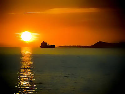 Poster featuring the photograph Sunset On The Sea by Dale Stillman