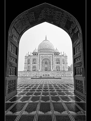 Poster featuring the photograph Taj Mahal - Bw by Stefan Nielsen
