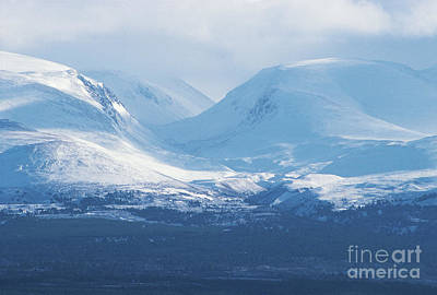 The Lairig Ghru - Cairngorm Mountains Poster by Phil Banks
