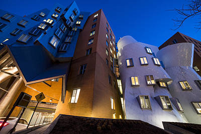 The Mit Stata Center At Night Kendall Square Cambirdge Ma Moon Front Poster by Toby McGuire