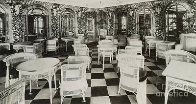 The Verandah Cafe Of The Titanic Poster by Photo Researchers