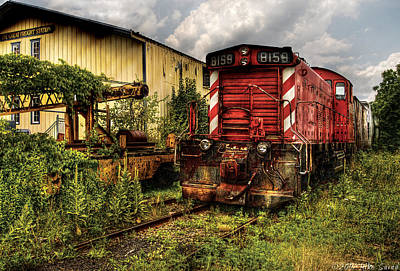 Train - Engine - 8159 Parked Poster by Mike Savad