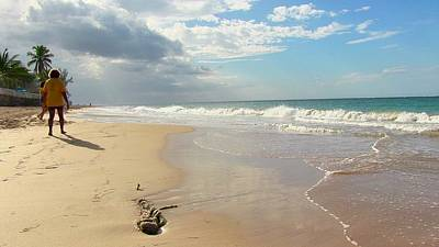 Un Paseo En La Playa Poster