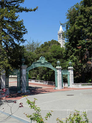 Poster featuring the photograph University Of California At Berkeley Sproul Plaza Sather Gate And Sather Tower Campanile Dsc6262 by San Francisco Art and Photography