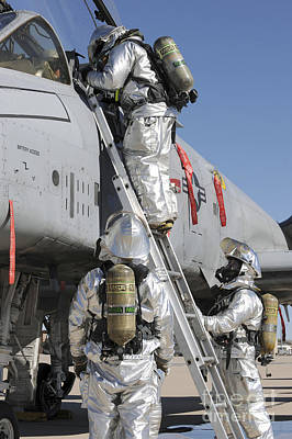 U.s. Air Force Airmen Perform A Rescue Poster