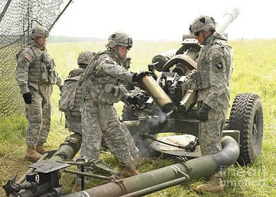 U.s. Army Soldier Throws A Spent 105mm Poster