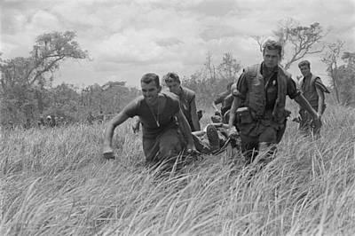 Vietnam War. While Under Heavy Fire, Us Poster