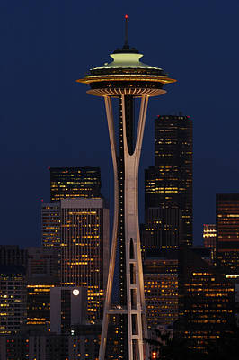 View Of The Space Needle And Seattles Poster