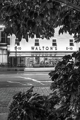 Walton Five And Dime - Downtown Bentonville Arkansas - Black And White Poster