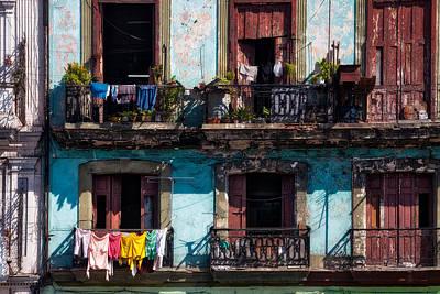 Wash Day On The Prado - Havana Poster