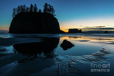 Washington Coast Beach Sunset Edges Of Light Poster