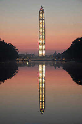 Washington Monument At Dawn Poster
