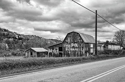 West Virginia Barn 2 - Bw Poster by Steve Harrington