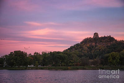 Winona Sugarloaf Pink Skies With Geese Poster