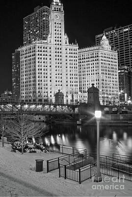 Wrigley Building Chicago By Kevin Oconnell - Kogalleries.com Poster by Kevin Oconnell
