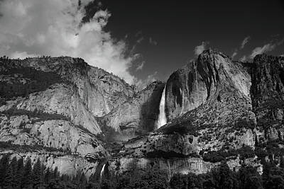 Yosemite Falls From Cook's Meadow In Black And White Poster