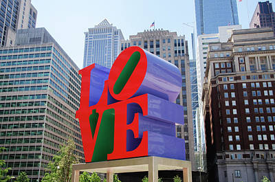 Poster featuring the photograph Love In The City - Philadelphia by Bill Cannon