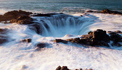Poster featuring the photograph Thor's Well V3 101818 by Rospotte Photography