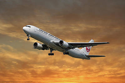 Designs Similar to Japan Airlines Boeing 767-346